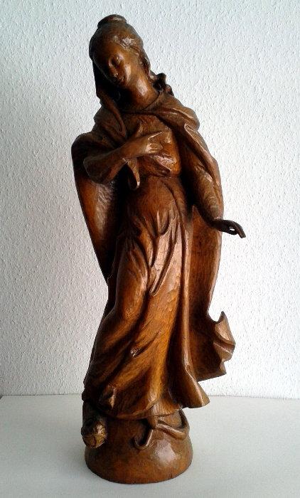 Maria, das Böse zertretend